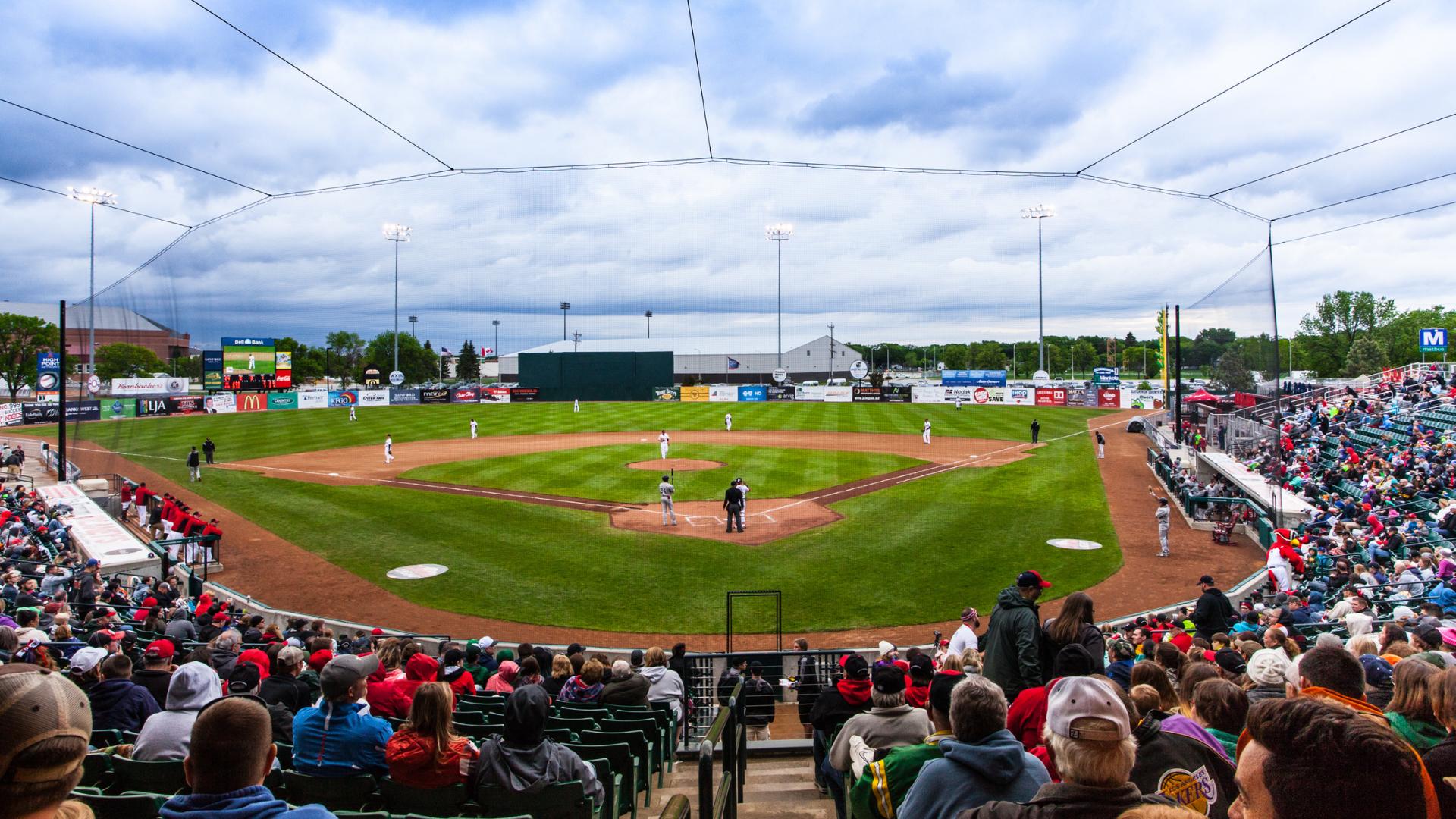 Fargo Moorhead Redhawks (2)